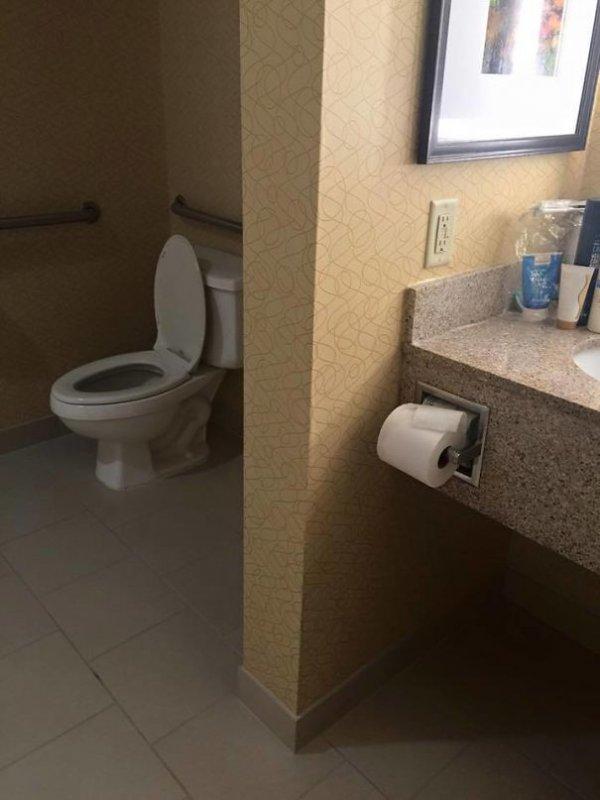 Тут уровень сложности добычи туалетной бумаги повышается