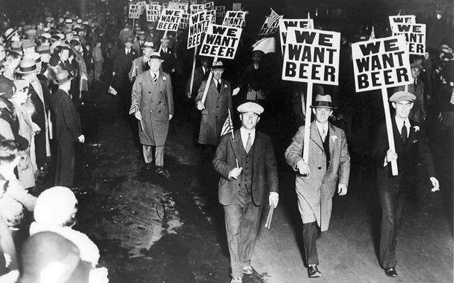 Демонстрация против запрета. Чикаго, 1920-е годы.