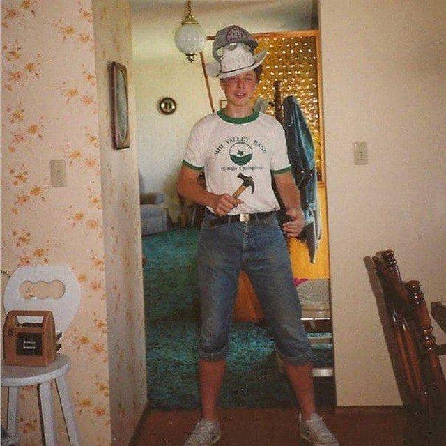 Илон Маск в 17 лет. В этот год он переехал из ЮАР в Канаду.