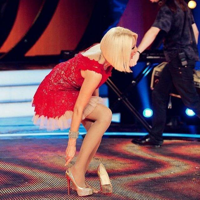 Телеведущая канала НТВ Лера Кудрявцева в красном платье