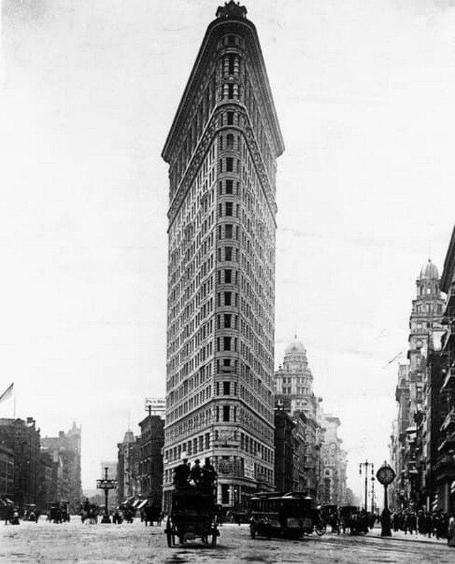 Первый небоскрёб в Нью-Йорке, 1910 год.