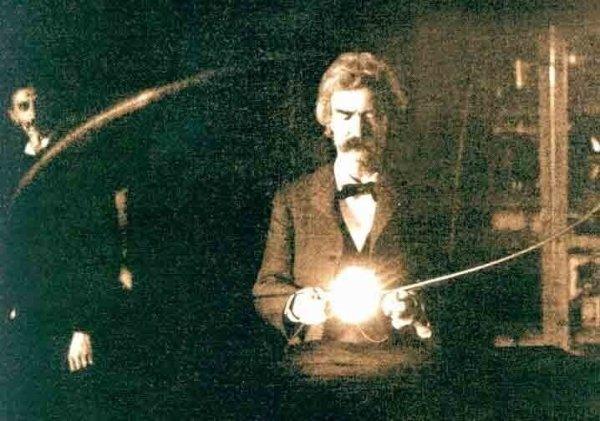 Марк Твен в лаборатории Николы Теслы, 1894 г.