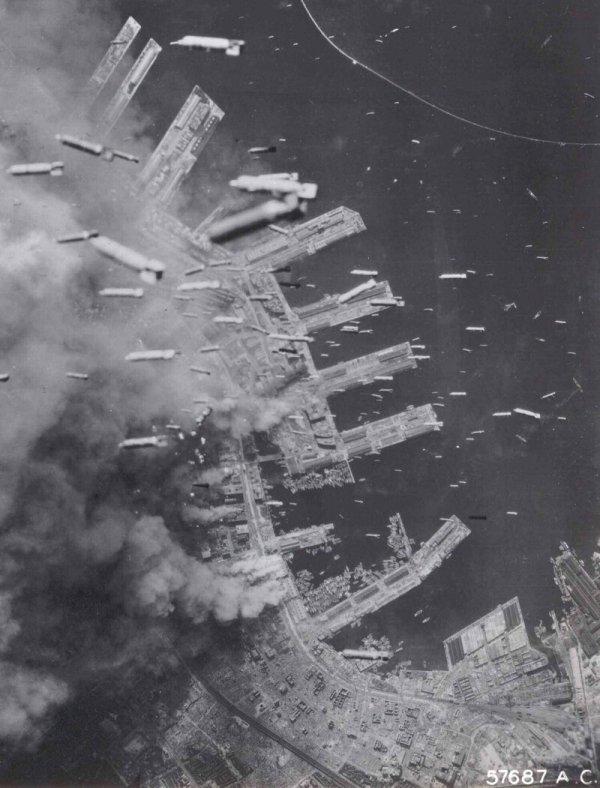 Бомбардировка японского городе Кобе, 1945 г.