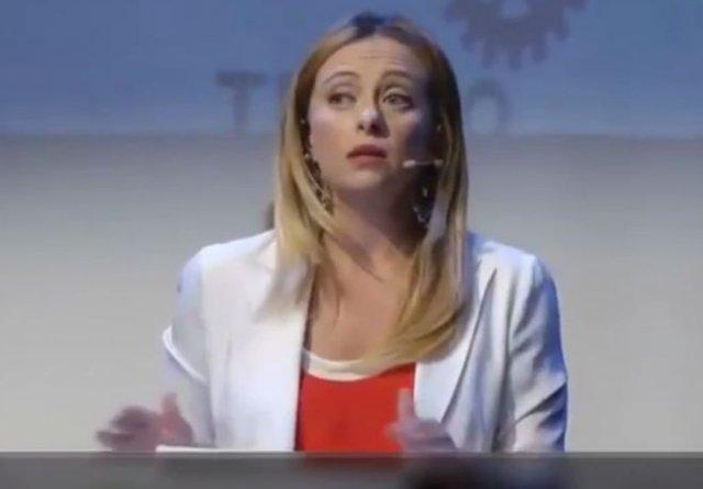 """Политик из Италии """"уничтожила"""" феминисток и лицемерных защитников мигрантов"""