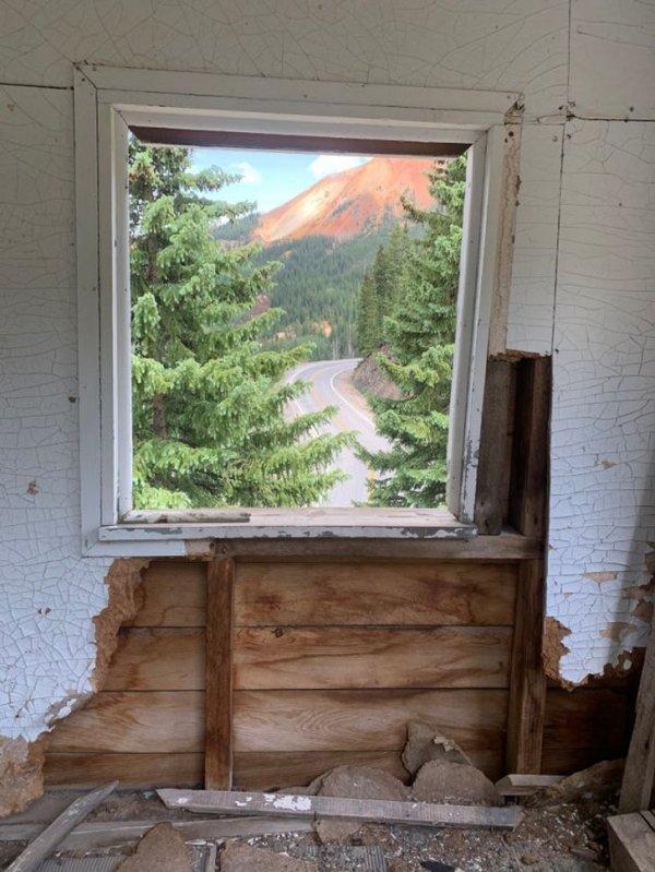 Окно или картина?