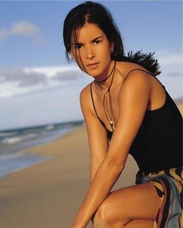 Патрисия Веласкес, начало 2000-х.