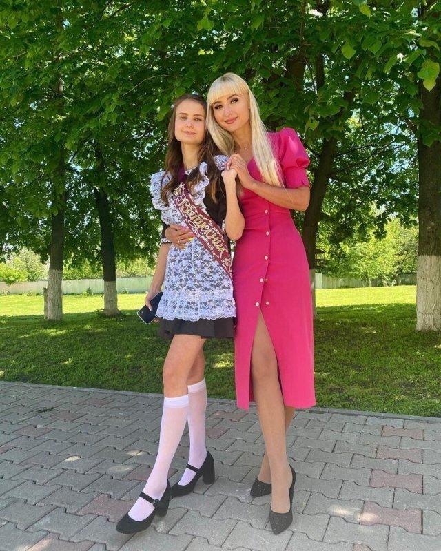 Девушки с Последнего звонка 2021