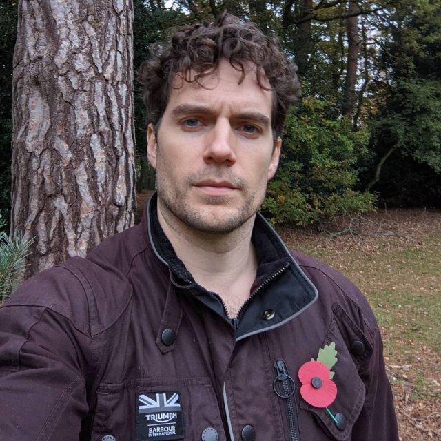 Генри Кавилл исполнит главную роль в перезапуске «Горца» в куртке