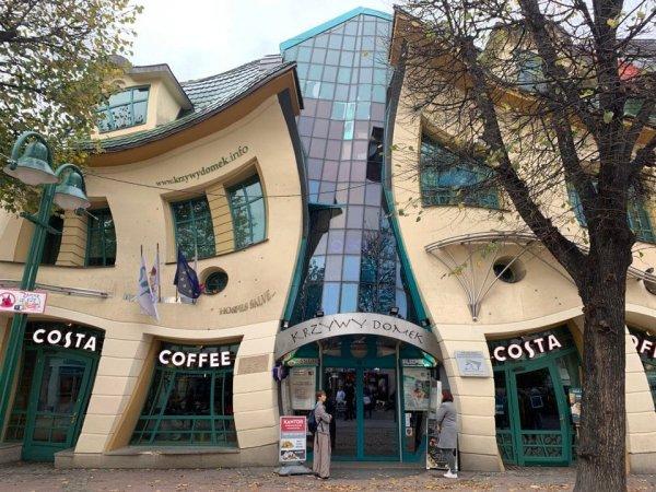 Krzywy Domek — здание в Сопоте, Польша