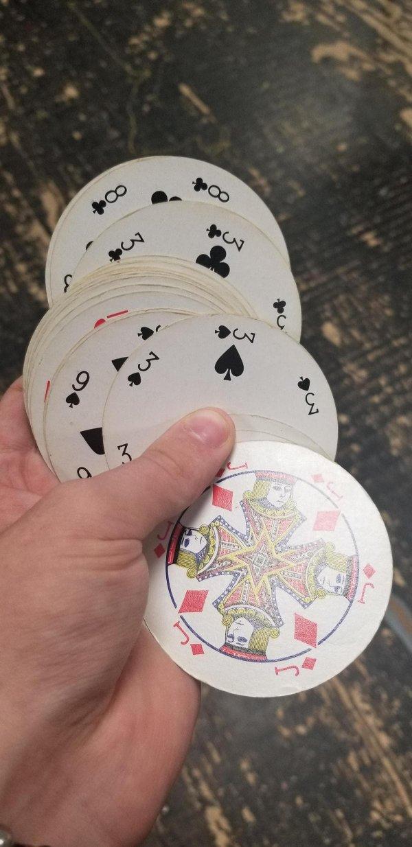 Круглая колода карт