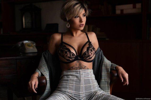 Джорджия Солери (Giorgia Soleri) - девушка солиста Maneskin Давида Дамиано в черном нижнем белье