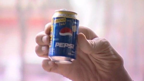 Как выглядит бака Pepsi в руках самого высокого человека в мире, Султана Кёсена