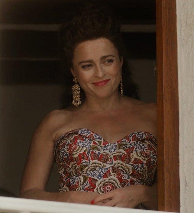 Хелена Бонем Картер в цветном платье