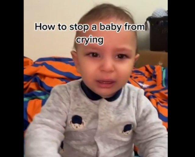 Смешной лайфхак: как заставить ребенка перестать плакать?