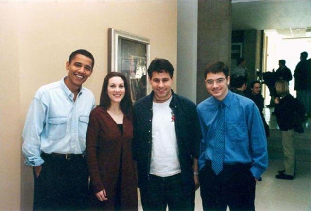 Профессор юриспруденции Чикагского университета Барак Хуссейн Обама с коллегами, 1995 год.