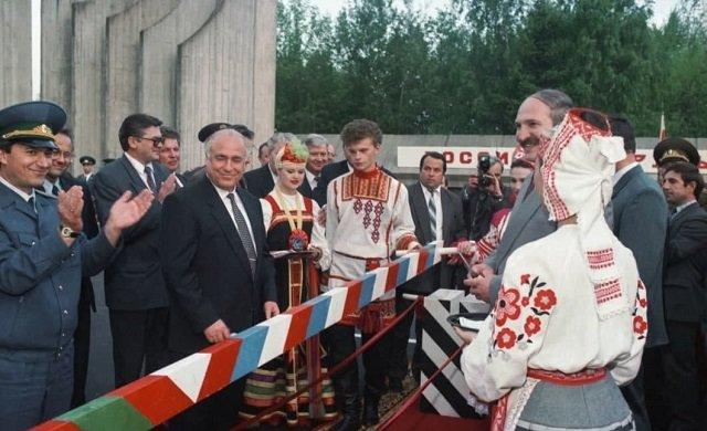 Александр Лукашенко и Виктор Черномырдин