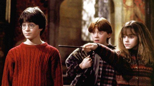 «Гарри Поттер и философский камень» Джоан Роулинг и одноимённая экранизация 2001 года