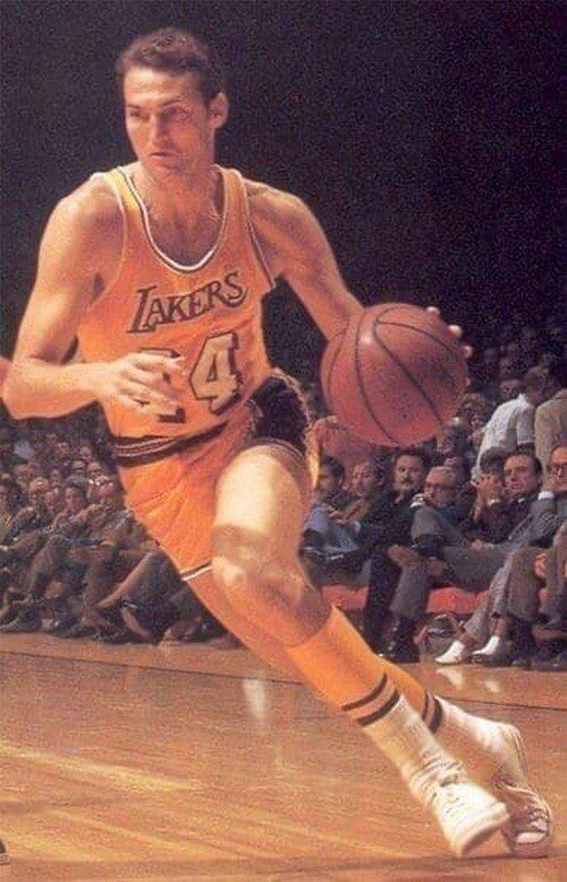 Знаменитое фото Джерри Уэста, которое легло в основу логотипа НБА. 1969 год