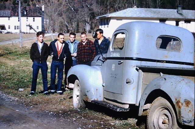 Американские сельские парни, 1959 год.