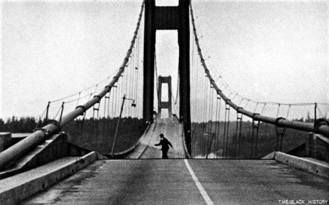 Единственный водитель спасается во время крушения Такомского моста, США, 1940 год.