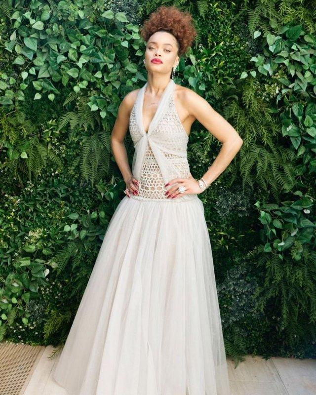 Андре Дэй - новая девушка Брэда Питта в белом платье
