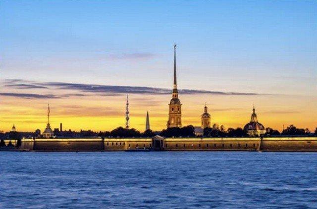"""Газпром предложил построить в Петербурге небоскреб """"Лахта центр 2"""".  В Сети посыпались шутки и мемы"""
