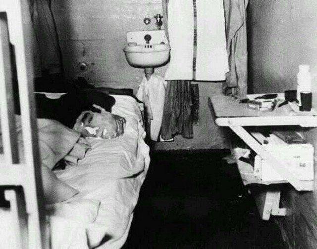 Манекен головы, выполненный из смеси мыла, туалетной бумаги и настоящих волос, использованный Джоном Англином для побега из тюрьмы Алькатрас, США, 1962 год.