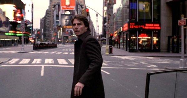 Сцена на Таймс Сквер в «Ванильном небе» (2001)