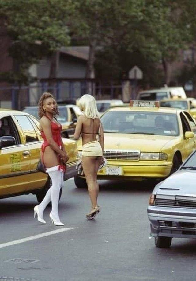 Проститутки на 10-й Авеню в Нью-Йорке, США, 29 июня 1997 год.