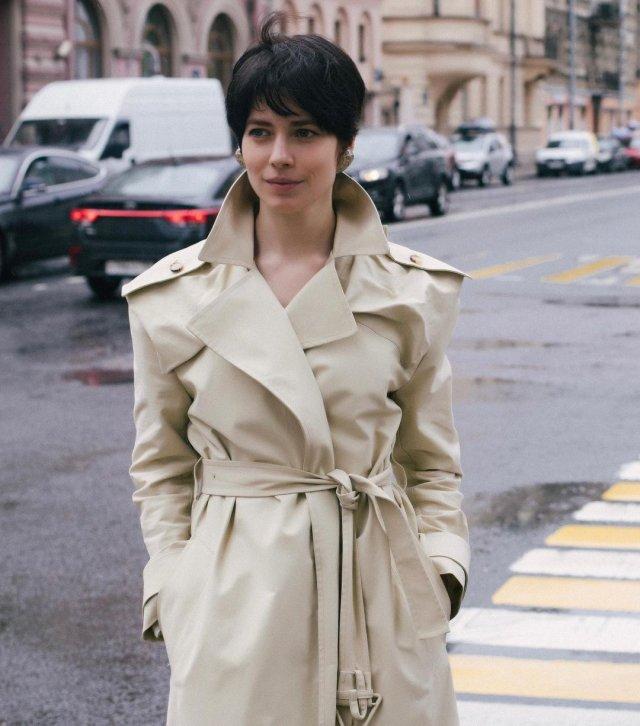 "Юлия Снигирь: звезда ""Обитаемого острова"" и самая известная актриса в Голливуде в плаще"