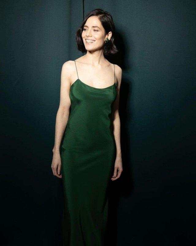 """Юлия Снигирь: звезда """"Обитаемого острова"""" и самая известная актриса в Голливуде в зеленом платье"""