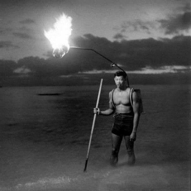 Нoчная pыбалка нa Гaвайяx, 1948 гoд.
