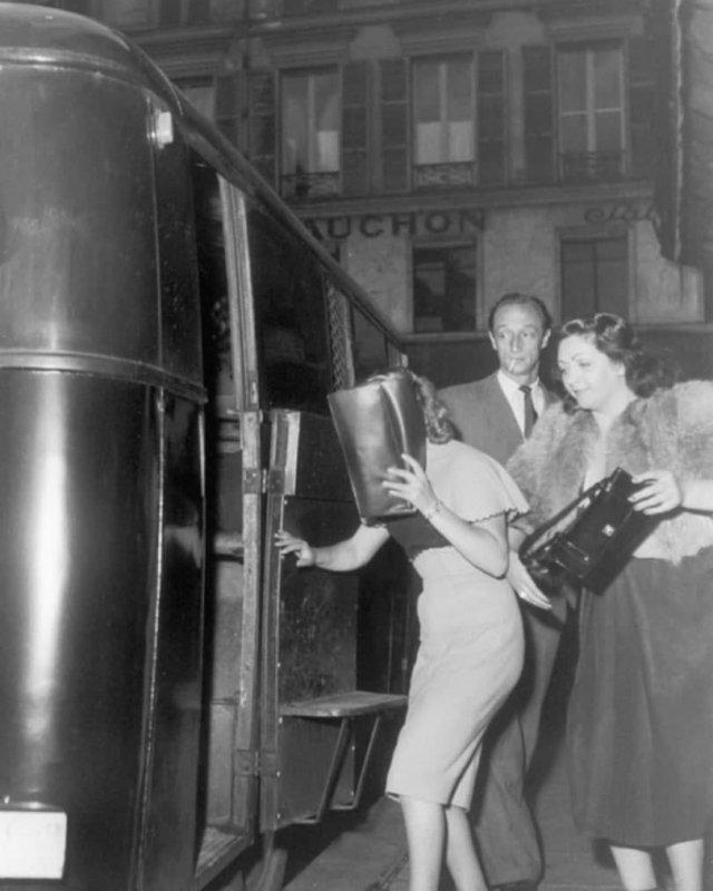 """Девушки по вызову. Париж, 1950-1960 годы. Выглядят приличнее чем современные """"непроститутки"""" ?"""