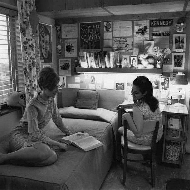 Жeнская комнaта в общeжитии, 1968 год.