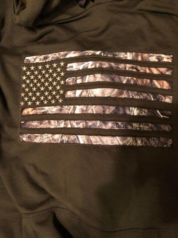 Что-то не так с этим американским флагом