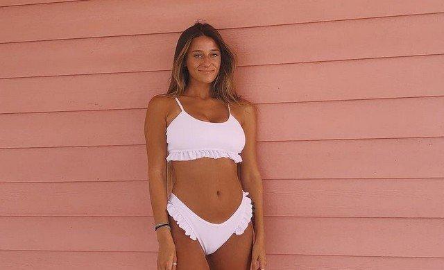Мэдди Хоуп (Maddie Hope) в белом купальнике