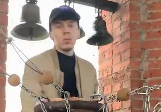 В Удмуртии сын священника учит колокольному звону в TikTok