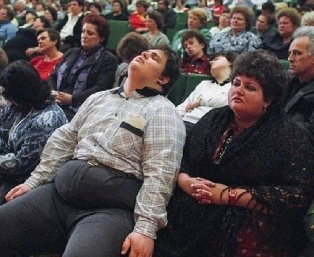 Сеанс лечения от ожирения Кашпировского, 1990 год.