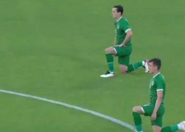 Болельщики освистали ирландских футболистов, вставших на колено в поддержку BLM