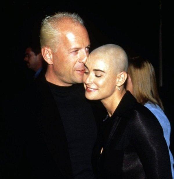 Брюс Уиллис и Деми Мур на премьере фильма «Если бы эти стены могли говорить». 1996 год