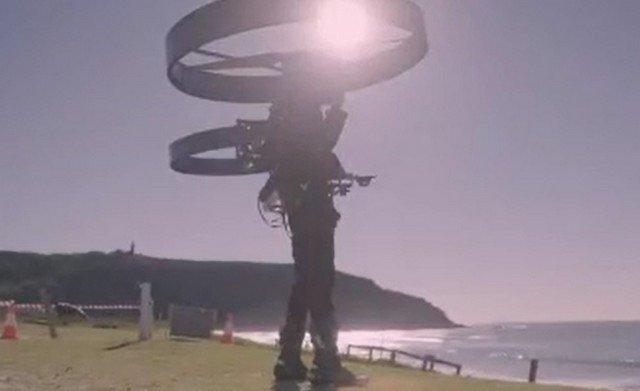 В Австралии испытали «коптерпак» — альтернативу реактивному ранцу с двумя роторами и батареей
