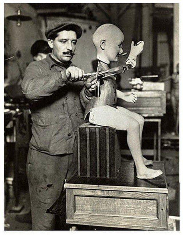 Парижская фабрика игрушек, Франция, начало XX века.