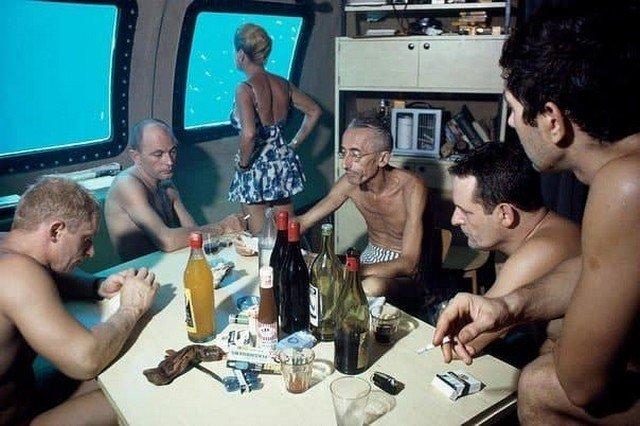 """Жак–Ив Кусто с командой в подводном доме """"Морская звезда"""". Красное море. 1963 год."""