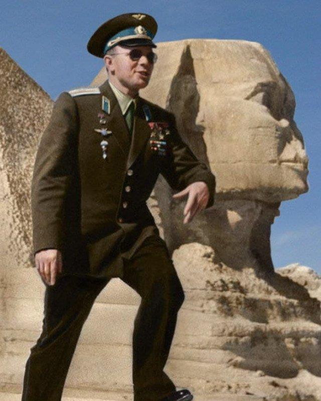 Юрий Гагарин в Египте. 1962 год.