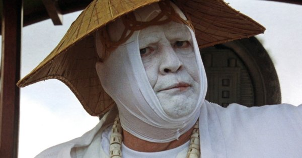 Марлон Брандо получил «малину» за фильм «Остров доктора Моро» (1996)