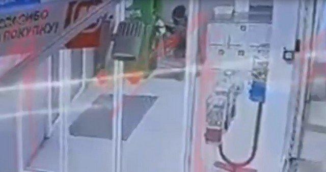 На Кубани грабитель взорвал единственный в станице банкомат