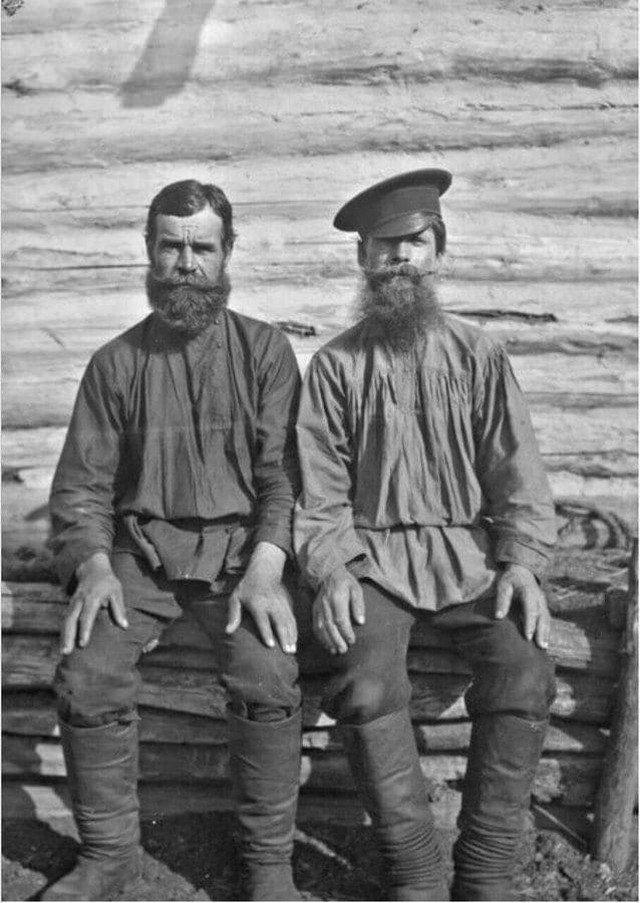 Двa товарища Федя и Гаврила - жители мордовского села Вечканово. Российская империя, 1914 год
