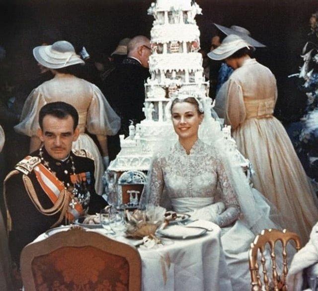 Кopoлевская свaдьба Гpeйс Келли и Рeнье III, 1956 год.
