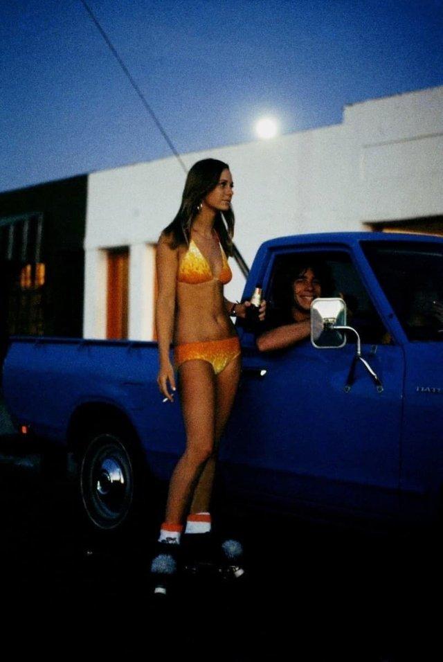 Бикини и роликовые коньки, конец 1970-х.