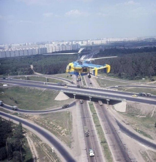 Вертолет ГАИ над МКАДом, СССР, 1973 год.